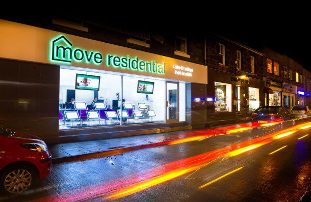move_heswall-1